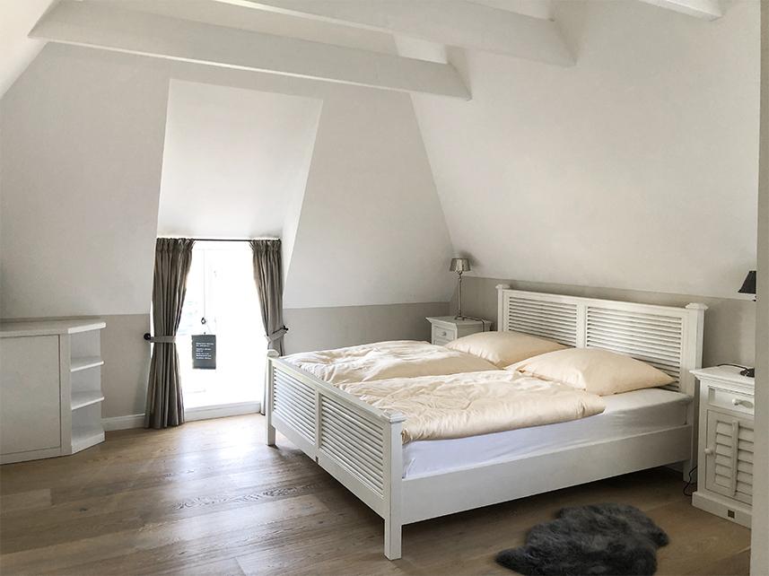 Master Bedroom Bett 180 cm großzügig Reethüs 1638