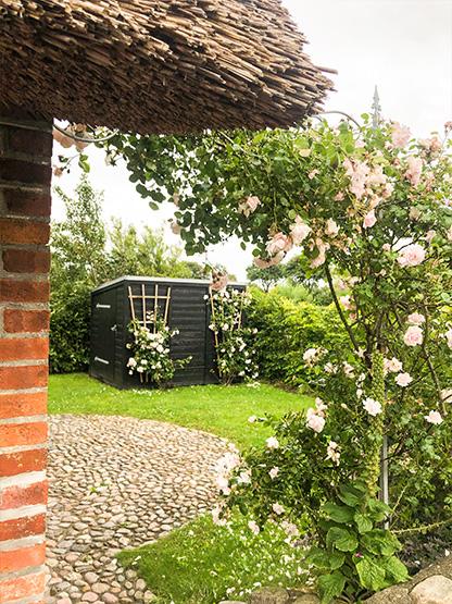 Schöner idyllischer Garten Urlaub Ferien im Reethüs 1638