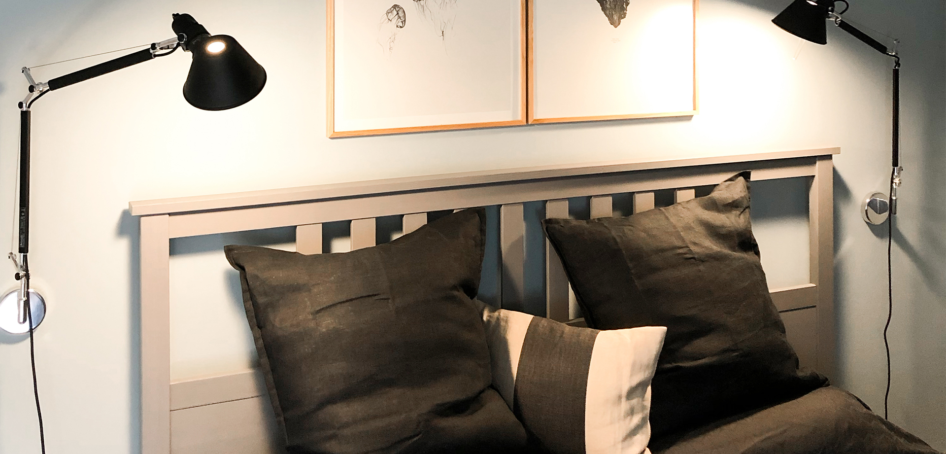 Schlafen im gemütlichen Doppelbett mit Designklassikern in Oldsum
